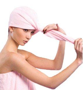 Cabello con toalla