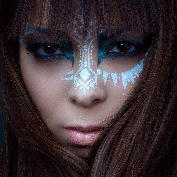 Maquillaje tribal