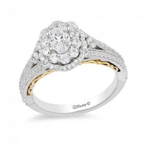 anillo de compromiso de Bella