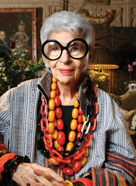 Iris Apfel es modelo a sus 97 años