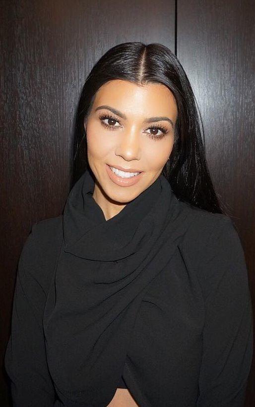 tips de maquillaje kourtney kardashian vogue