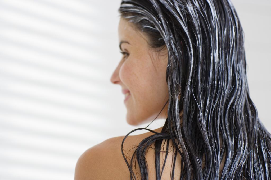 """Résultat de recherche d'images pour """"dầu dừa chăm sóc tóc"""""""