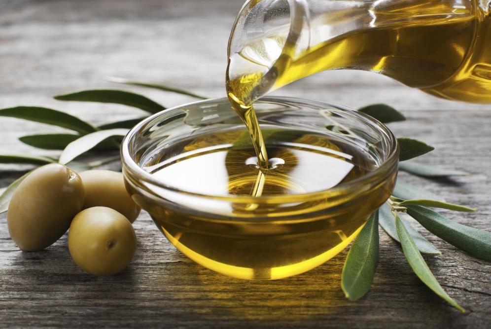 aceite de oliva  con azucenas
