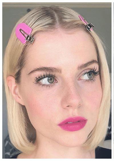 peinados lucy boynton instagram