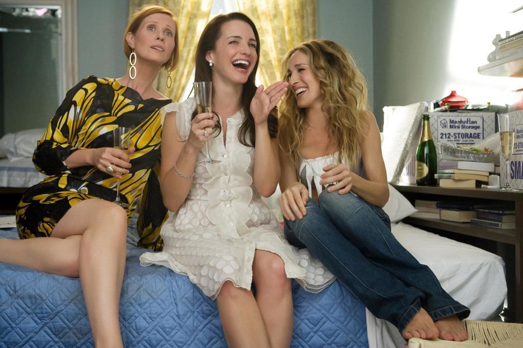 estudio revela que las mujeres prefieren a sus amigas que a sus esposos
