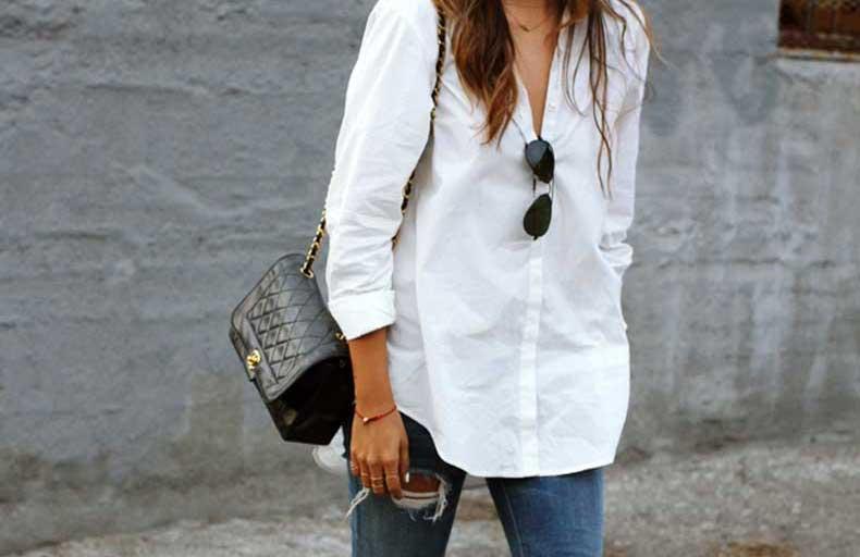 skinny jeans con blusa blanca