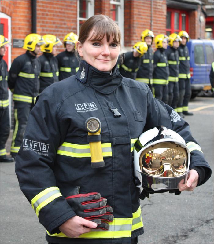 Primera jefa de un cuerpo de bomberos en Londres