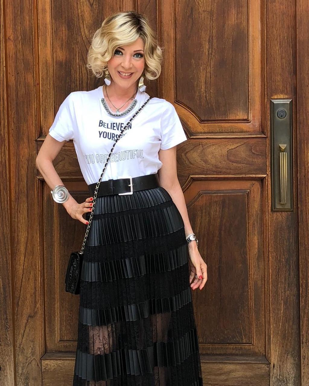 edith gonzales outfit moda tendenicas