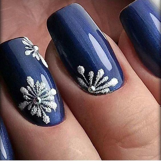 Mira Estos Diseños De Uñas Color Azul Que Te Cautivarán